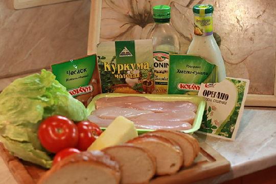 Приготовление ингредиентов для салата Цезарь