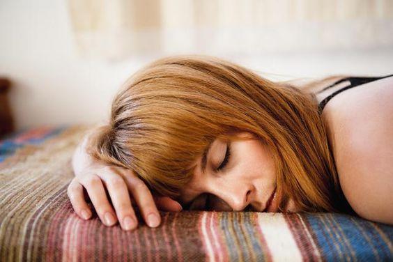 Первые признаки беременности на ранних сроках, какие симптомы беременности в первые недели до задержки