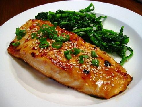 Запеченное рыбное филе с тхиной